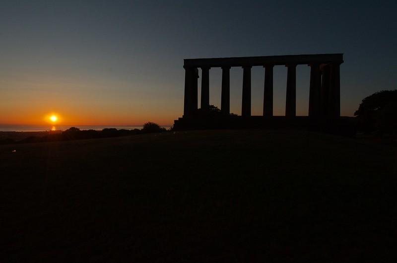 Sunrise over the follies on Calton Hill, Edinburgh: CC BY-SA 2.0