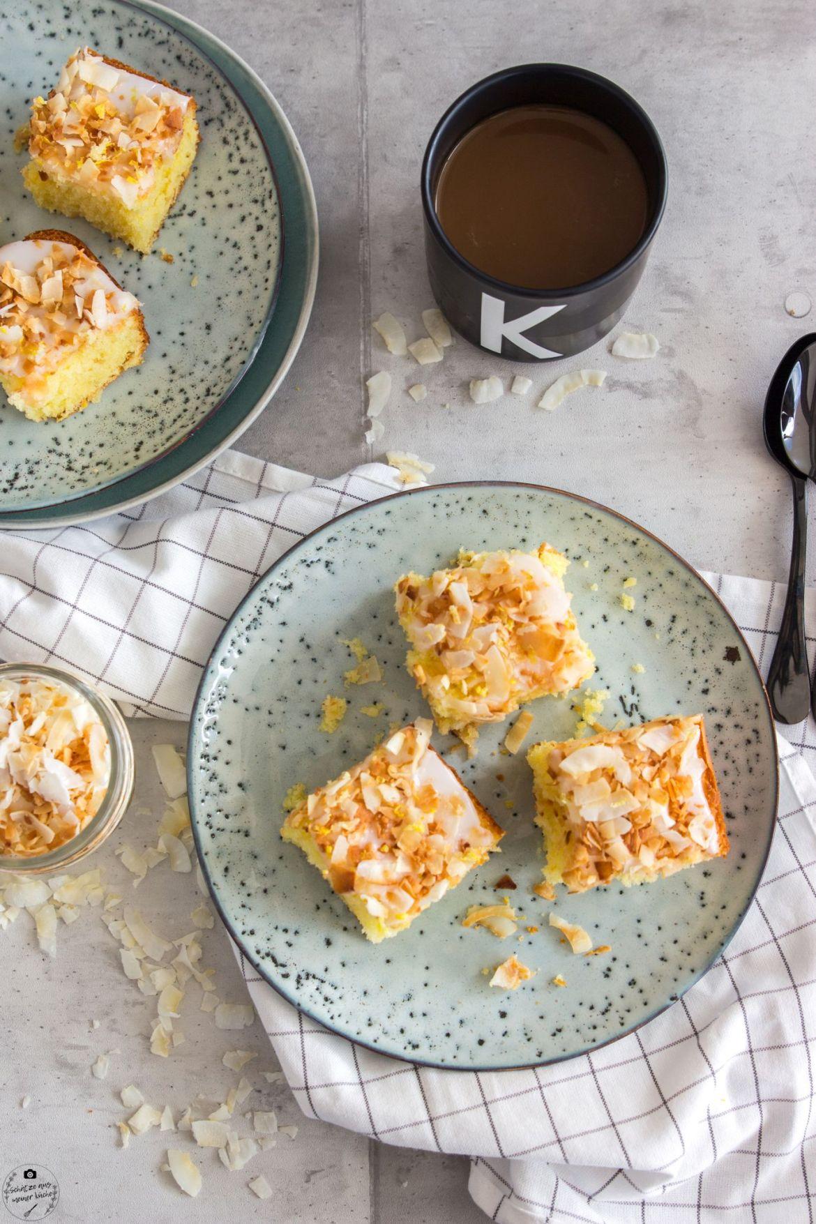 Fluffiger Kokos-Zitronenkuchen vom Blech