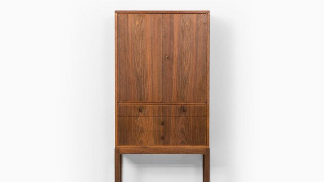 Carl Malmsten cabinet Lillbo in walnut at Studio Schalling