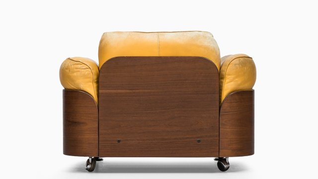 Easy chair in teak and leather at Studio Schalling