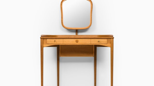 Carl Malmsten vanity in oak by Bodafors at Studio Schalling