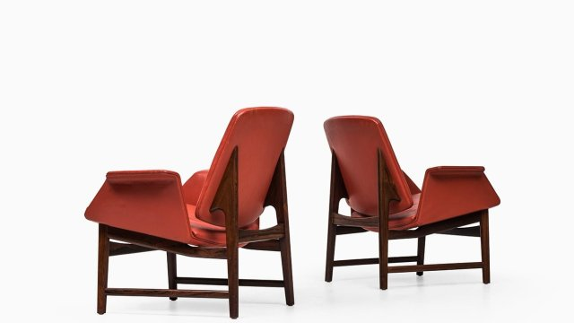 Illum Wikkelsø easy chairs model 451 at Studio Schalling