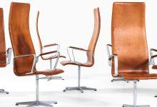 Arne Jacobsen Oxford chairs by Fritz Hansen at Studio Schalling