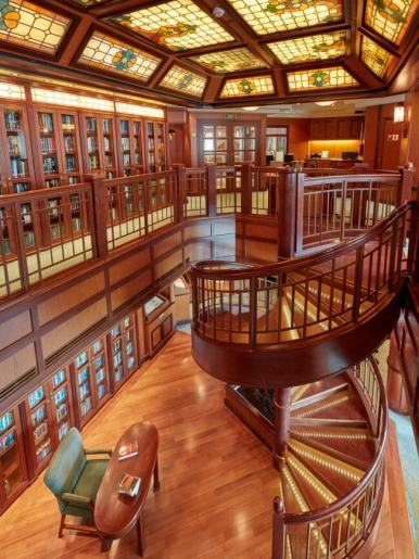 qv-library.jpg.image.650.868.high