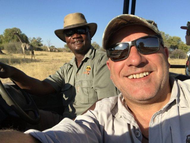 jörg undPartner 1024x769 - Unser neuer Afrikakatalog ist da!