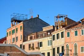 Die oft zu sehenden Dachgärtchen werden im Sommer sicherlich intensiver genutzt.