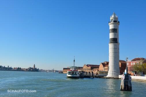 Murano, links die Friedhofsinsel, mittig hinten Venedig