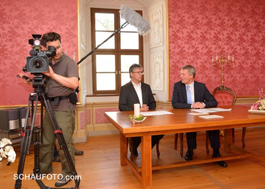 Eröffnung im Fürstenhaus mit gewünschter Medienpräsenz.