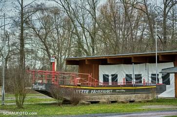2015 - Im ehemaligen Leißlinger Waldbad kann man sich die Fähre noch ansehen.