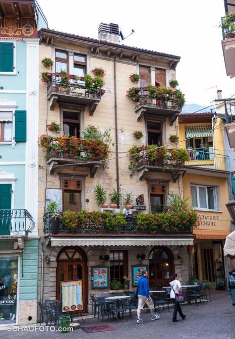 Italienische Stadtbalkone I