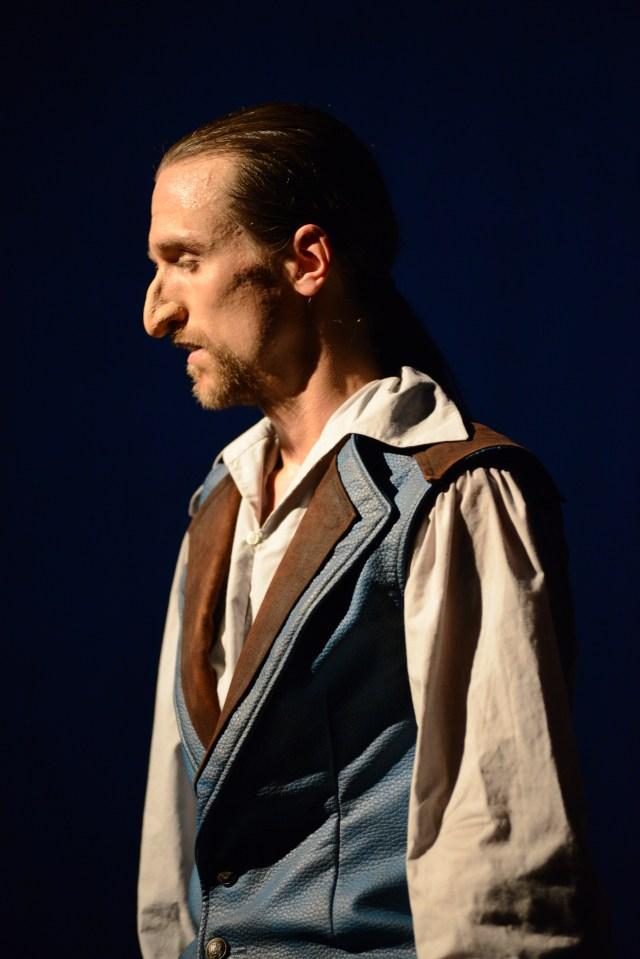 Cyrano de Bergerac (Edmond Rostand) / Rolle_Part: Cyrano de Bergerac / Regie_Director: Carsten Ramm / Badische Landesbühne / Photo © Peter Empl