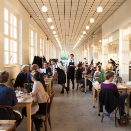 Trendy restaurant Amstedam Scheepskameel