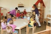 Dorfbilder Kindergarten April 1991017