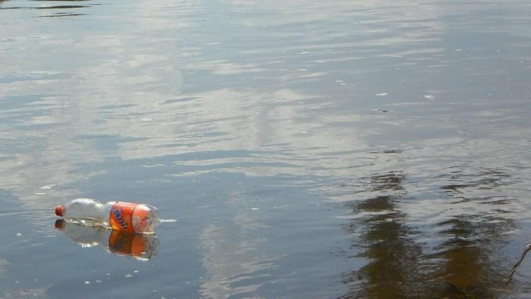 Intelligente plasticvanger op de Schelde