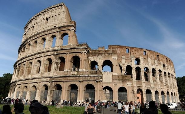 Top 10 Places to Visit in Italy Colosseum in Rome
