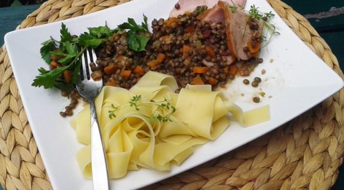 Warmer Leisa-Salat mit Kassler
