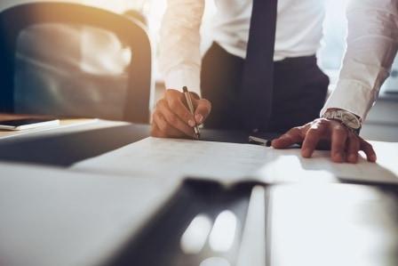 Schiedsrichtervertrag / Schiedsgerichtsverfahren / arbitration