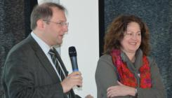 v. l. n. r.: Prof. Dr. Christian Hanus, Renate Schlusen- Bild: peridomus.de
