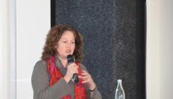 Referentin Renate Schlusen - Bild: peridomus.de
