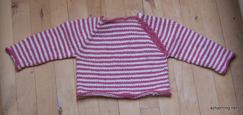 Pink Baby sweater færdig