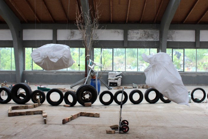 SCHLACHTEN | DISPLACED 2015 | Dusk and Not Dawn – Fernando Niño-Sánchez & Wiederaufbau Workshop – Verena Resch, Daniel Segerberg & Ninia Sverdrup | Image © Emily Pütter