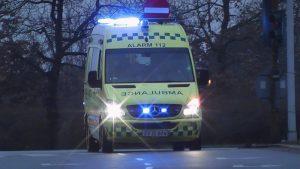 Ambulance med udrykning til selvmordsforsøg