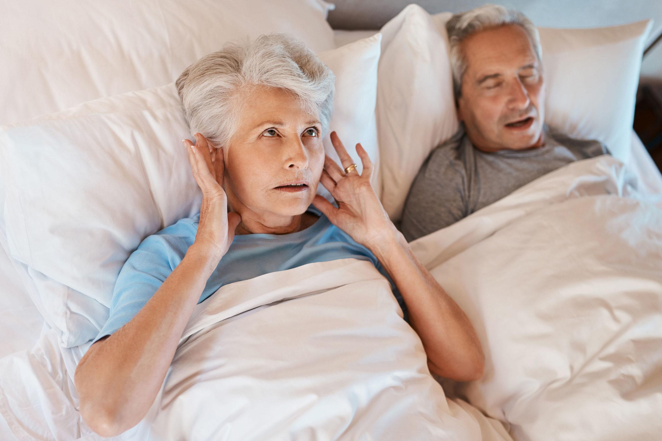 Obstruktive Schlafapnoe ist für Ehepaar belastend