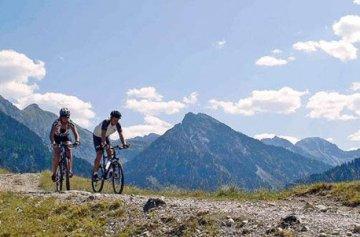 Geschenkgutschein: Rafting & Mountainbiking mit 2 übernachtungen für 2 im ötztal -