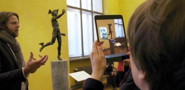 Der schwebende Merkur Augmented Reality im Bayerischen Nationalmuseum mit METAIO