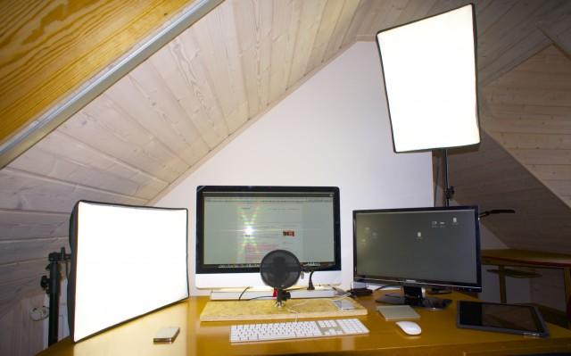 Hangout on Air Studio mit zwei Softboxen Foto Schleeh