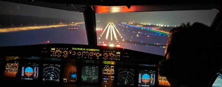 Im_Cockpit_Digital_Aviation_Forum_Foto_Gregor Schlaeger.jpg