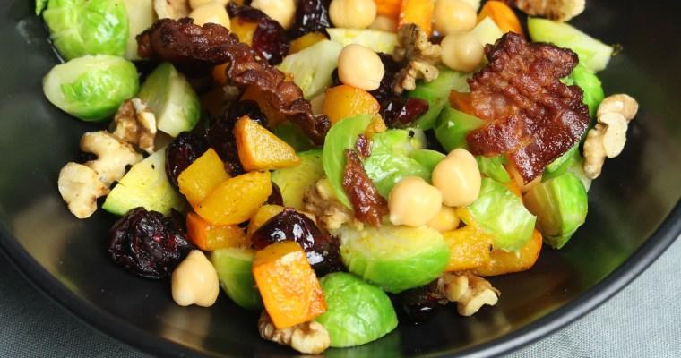 Rosenkohl-Kichererbsen-Salat mit Speck, Kürbis und Cranberries