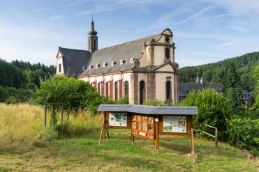 1-klosterkirche-und-insektenhotel