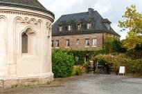 """Matthiaskapelle und """"Restaurant auf der Oberburg"""""""