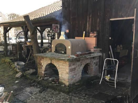 Ofenbausatz ist montiert und brennt