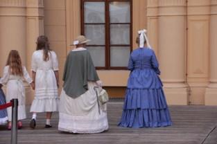 Modenschau - gerüschte Röcke