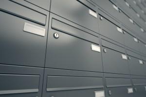 Briefkastenöffnungen
