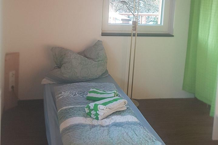 ebbs ferienwohnung einzelbett