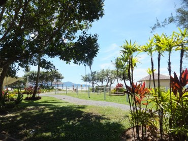 Shangri-La's Rasa Ria Resort Beach - Cozy