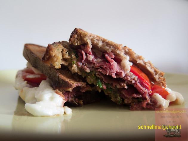 Pastrami Sandwich Tomate Mozarella