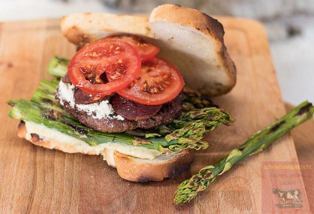Grüner Spargel Sucuk Burger
