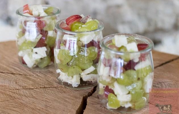 Traubensalat mit Camembert