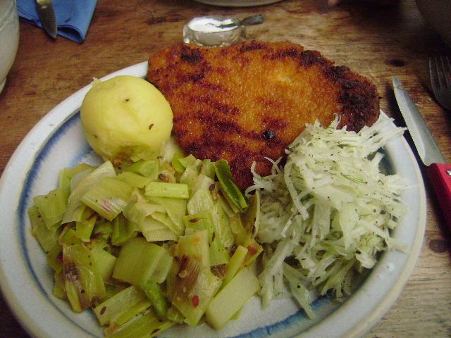 Lauchgemüse-Schnitzel-Rettichsalat