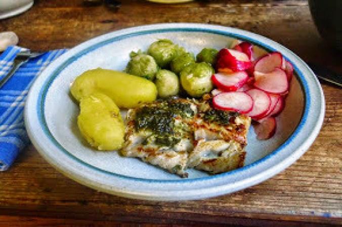 Seelachs,Salate,Kartoffeln -29.10.14   (13)