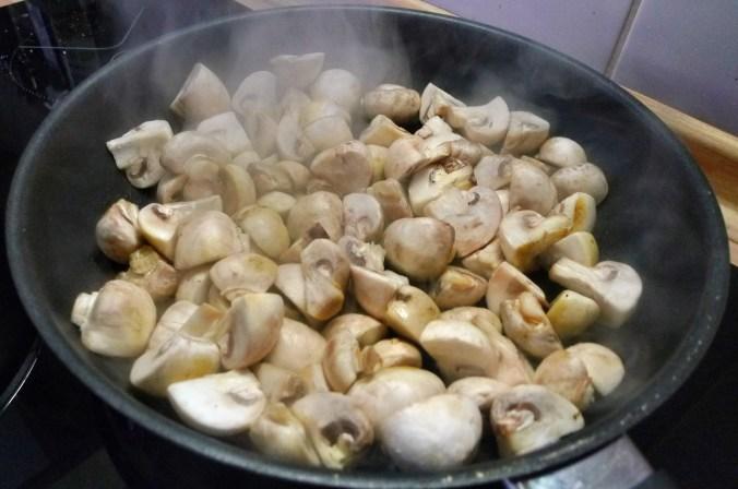 Kartoffelbrei,Pilze,Feldsalat - 21.2.15   (10)
