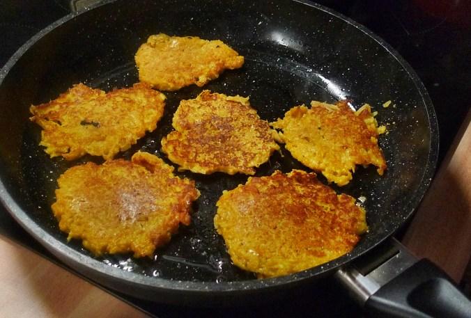 Kartoffel-Möhrenpuffer,Brokkoli - 15.3.15   (6)