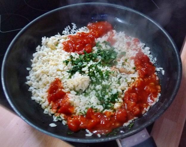 Rote betegemüse,gebratener Reis,Joghurtdip,Kohlrabisalat - 27.3.15   (9)