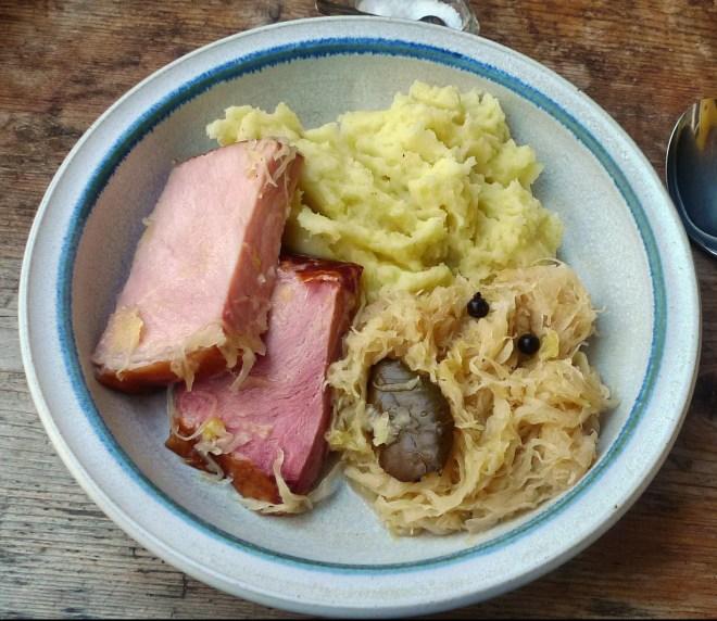 Sauerkraut,Kassler,Kartoffelpü - 15.4.15   (11)
