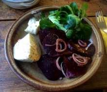 13.2.16 - Grünkernsuppe,Rote Bete,Büffelmozerella,Feldsalat,vegetarisch (13)