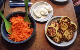 23.2.16 - Kartoffeltaler,Salate,pochiertes Ei,vegetarisch (11)